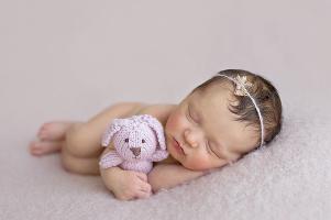 foceni-novorozencu-kristynka-8-dni