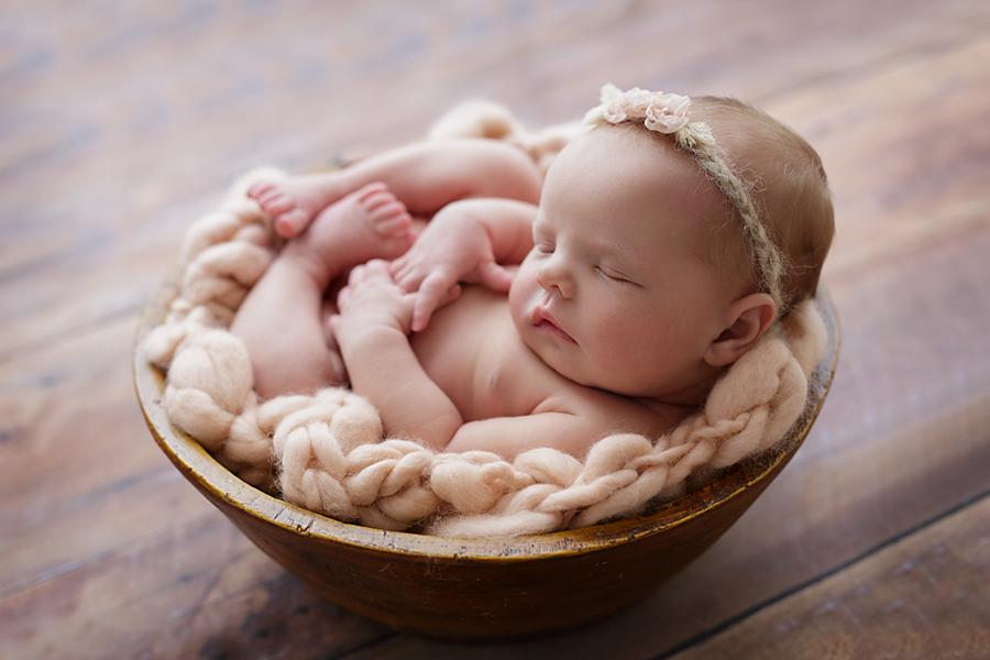 foceni-novorozencu-karolinka-7-dni