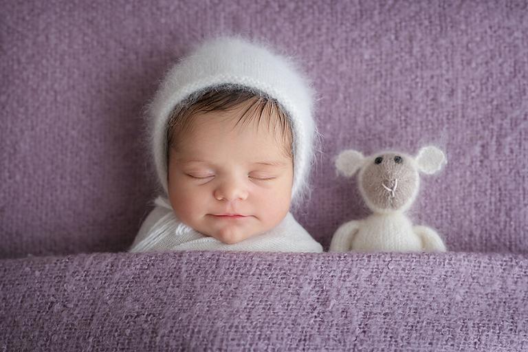 newborn-foceni-nela-9-dni