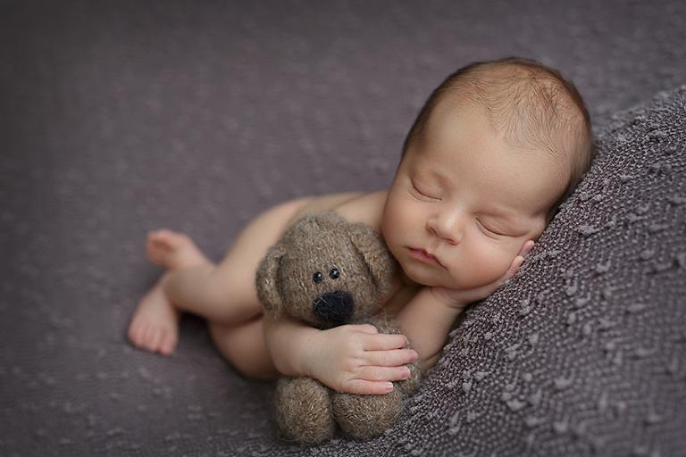 newborn-fotograf-benjamin-9-dni