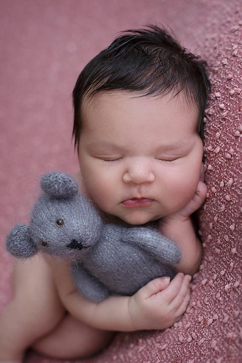newborn-foceni-miluska-10-dni